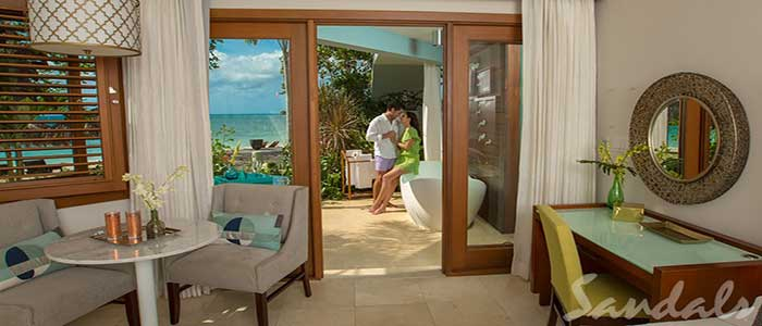 Caribbean Beachfront Walkout Grande Luxe Club Level Room w/ Patio Tranquility Soaking Tub - WGBT