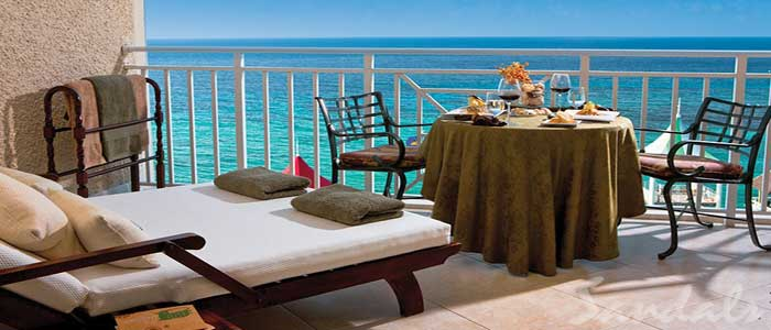 Riviera Honeymoon Beachfront One Bedroom Butler Suite - HP1