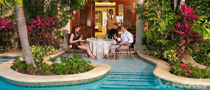 Swim-up Crystal Lagoon Honeymoon One Bedroom Butler Suite - 1B
