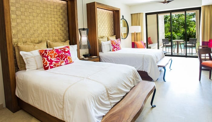secrets-akumal-swim-out-junior-suite